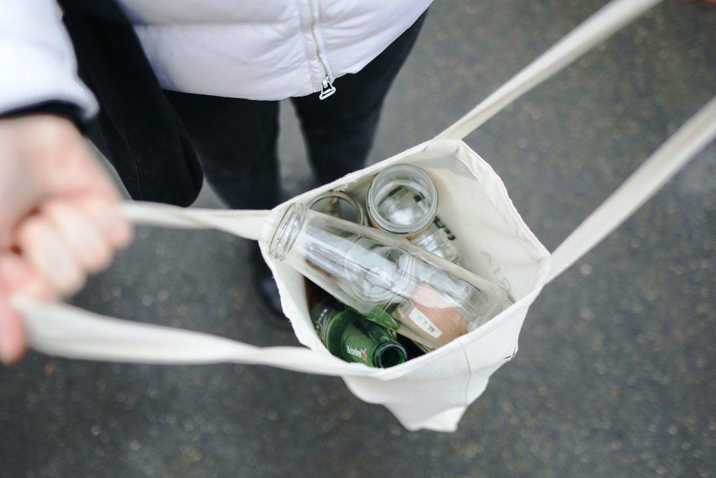 Kako očistimo steklenice in kozarce za ponovno uporabo